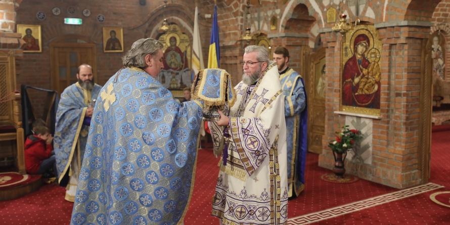 """Crucea """"Sfântul Iosif  Mărturisitorul"""", răsplată pentru preşedintele Senatului Universităţii Babeş-Bolyai"""