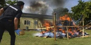 Foc de tabără din 800 de kilograme de marijuana