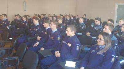 Elevi ai şcolilor de poliţie fac practică la IPJ Maramureş până în 13 mai