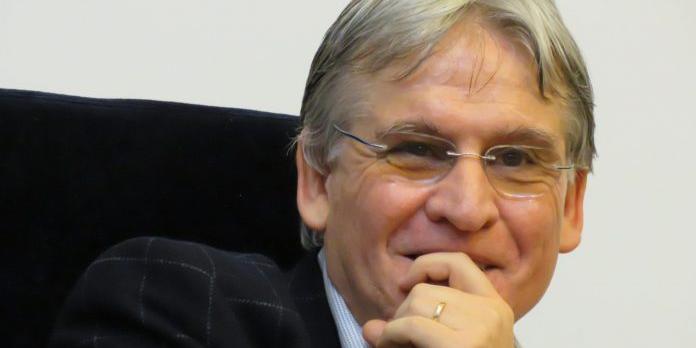 Politicieni, redați demnitatea Universității Românești!