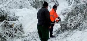 Drumurile Valea Neagră-Izvoare și Mara- Runcu, închise temporar circulației rutiere