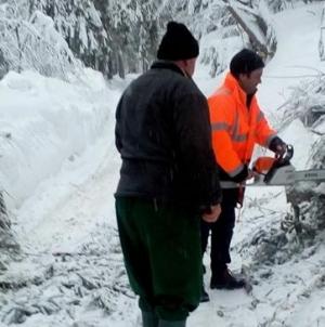 Drumurile Valea Neagră-Izvoare și Mara-Runcu, închise temporar circulației rutiere