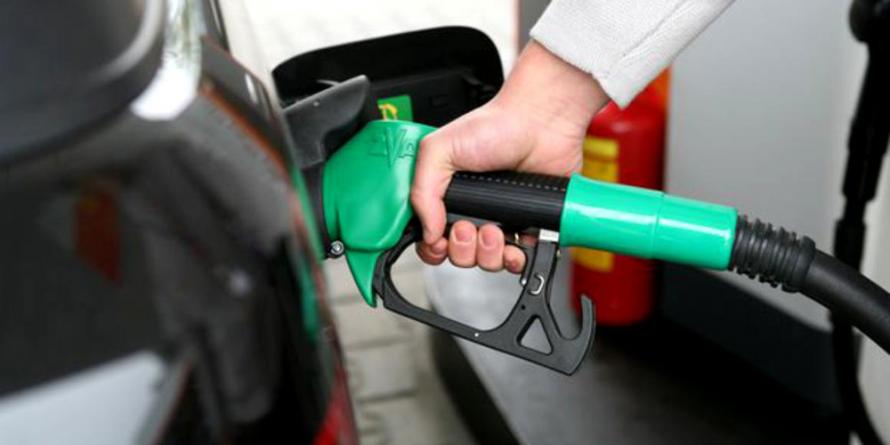 Când să plece din benzinărie fără să plătească, a lovit un angajat