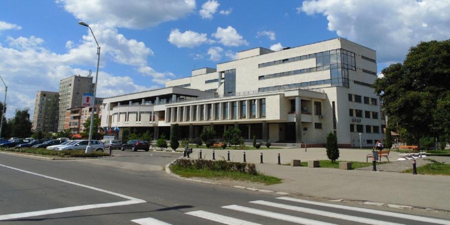 """""""Salonul de foto-grafie"""" la Biblioteca Județeană"""
