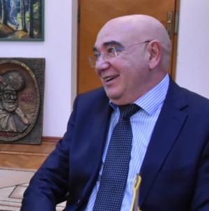 """""""N-aveți un zbor în plus către aeroportul băimărean?"""" – o temă abordată cu consulul onorific al Spaniei"""