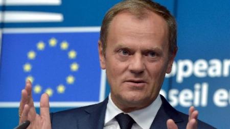 """Donald Tusk: """"Apărați fundamentele civilizației  europene cu aceeași hotărâre cu care a apărat  Helmuth Duckadam cele 4 penalty-uri în finala CCE de la Sevilla"""""""