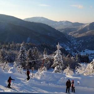 Pârtii numai bune pentru schiat