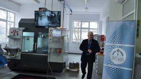 Laboratoare cu echipamente de ultimă generație la Facultatea de Inginerie