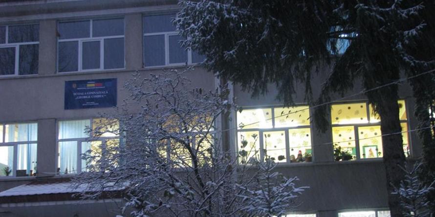 """Școala """"George Coșbuc"""" împlinește 50 de ani și așteaptă materiale pentru monografia aniversară"""