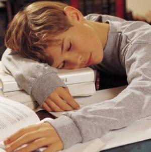 Programa școlară este prea încărcată – spun și părinții și studiile sociologice