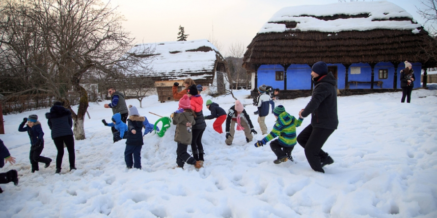 """""""Jocurile copilăriei de iarnă"""" la Muzeul Satului"""
