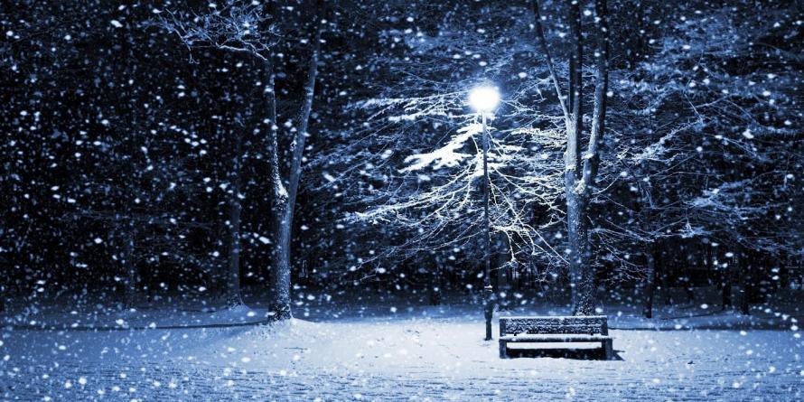 De mâine vremea se răcește și revin ninsorile