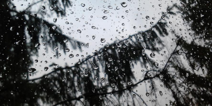 Azi plouă pe ici-pe colo, mâine pe arii relativ extinse
