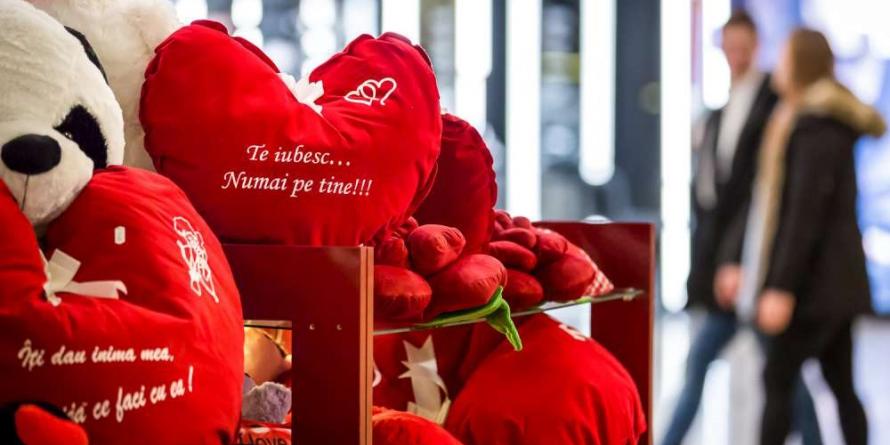 """Tineri maramureșeni despre Valentine's Day: """"Când există iubire nu trebuie o zi anume pentru a face un cadou persoanei dragi"""""""