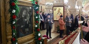 Icoana făcătoare de minuni de la Mănăstirea Dragomireşti a fost adusă ieri în Baia Mare (GALERIE FOTO)