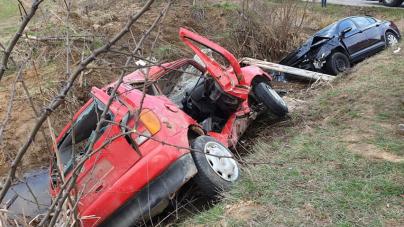 Patru victime la impactul dintre două autoturisme VW