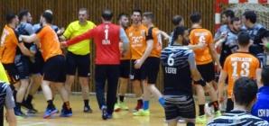 O altercație generală, punctul culminant al meciului disputat de handbaliștii de la Minaur