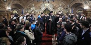Credincioșii au umplut Catedrala Episcopală în a doua zi a Postului Mare (GALERIE FOTO)