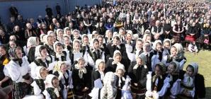 """Peste 5.000 de credincioși au asistat la târnosirea bisericii cu hramul """"Buna Vestire"""" din Ieud (GALERIE FOTO)"""