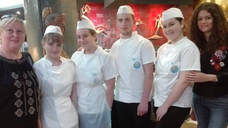 Elevi din Cavnic la practică în restaurante din  Lisabona (GALERIE FOTO)