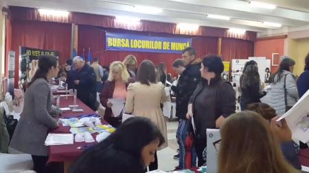 40 de persoane au fost angajate pe loc la Bursa locurilor de muncă pentru absolvenți