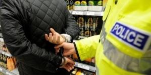 Se fură și din locuințe și din supermarketuri