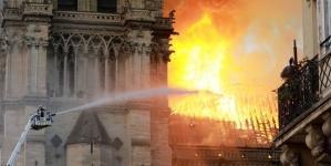 Clopotele catedralelor vor bate pentru Notre Dame