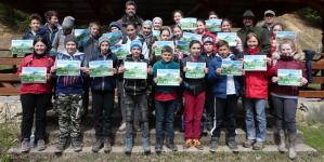 Elevi de la Școala Gimnazială Lăpuș au plantat puieți la Poiana Botizii (GALERIE FOTO)