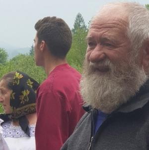 La 77 de ani, meşterul popular Ştefan Jula a inaugurat o casă-muzeu în curtea gospodăriei sale din Berința (GALERIE FOTO)