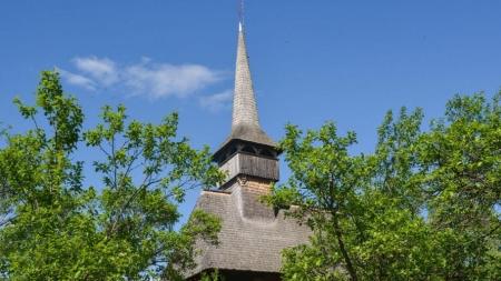Bisericile din lemn, Mocănița și Cimitirul Vesel – principalele atracții pentru turiștii care vin în Maramureș