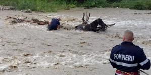 La Săcel, prima victimă a viiturilor: un bărbat de 63 de ani