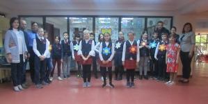 """""""Vitralii florale"""" – o expoziție a elevilor de la """"Avram Iancu"""""""