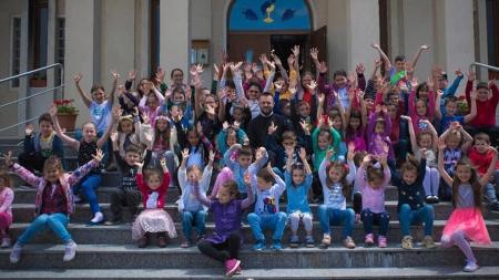 Ziua Copilului, sărbătorită în avans la o parohie din Baia Mare (GALERIE FOTO)