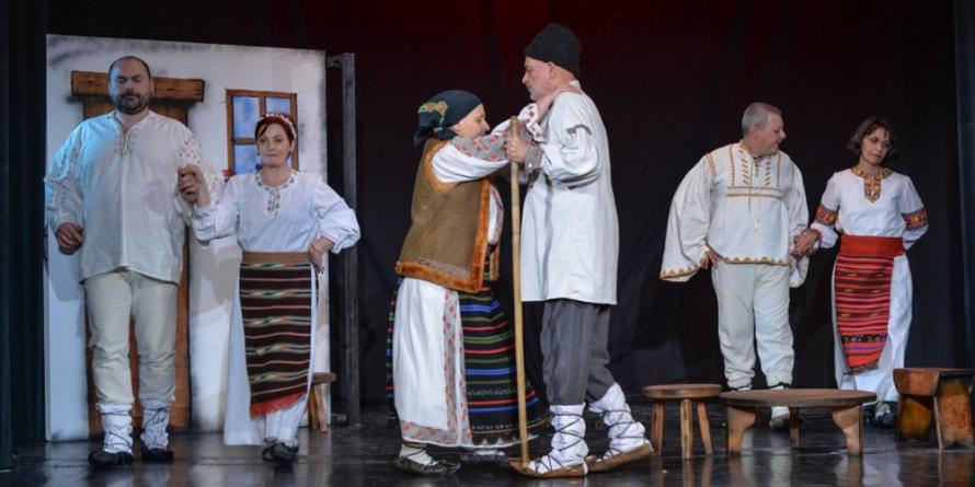 """""""Fata babei și fata moșneagului"""" la Teatrul de Păpuși"""