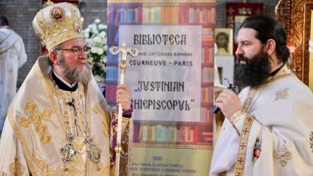 """Spațiul bibliotecii românești din Paris """"Justinian Arhiepiscopul"""", binecuvântat de Episcopul Iustin (GALERIE FOTO)"""