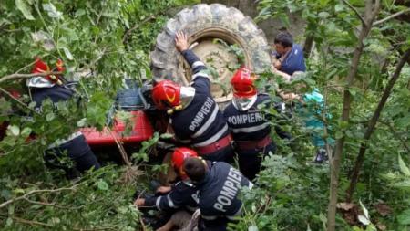 Tragedie în Bărsana: tatăl a patru copii, strivit sub tractor