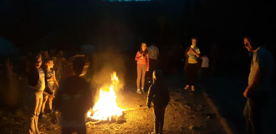 Borșa, luminată de făclii în noaptea de Sânziene