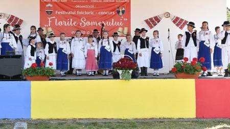 """Festivalul folcloric """"Florile Someşului"""" de la Mireșu Mare"""