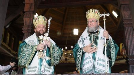 Unde liturghisesc duminică ierarhii Episcopiei