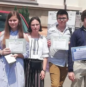 """Maramureșeni premiați la Concursul național de chimie """"Raluca Rîpan"""""""