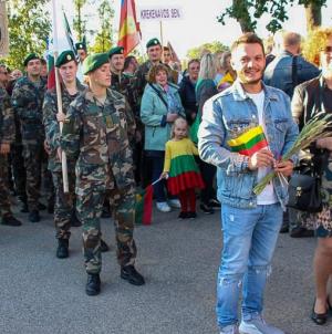 Trei maramureșeni care au mers strict într-un district din Lituania