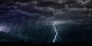 Cod galben de ploi până luni seara