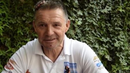 """""""Nu suntem o țară de primate"""": bătăușii motociclistului belgian cu casă în Băița au fost arestați pentru 30 de zile"""