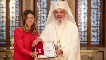"""Simona Halep, la primirea Crucii Patriarhale: """"Mă bucur că sunt româncă"""" (GALERIE FOTO)"""