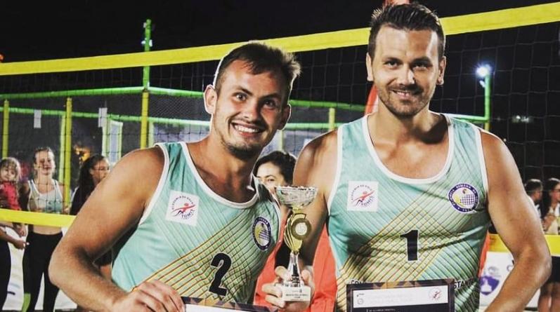 Doi jucători de la Știința Explorări au câștigat titlurile de campioni și vicecampioni la volei pe plajă