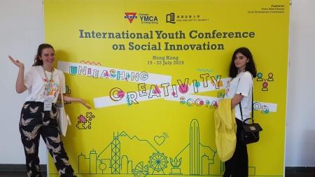 Două tinere voluntare din Maramureș au reprezentat România la conferința YMCA din Hong Kong