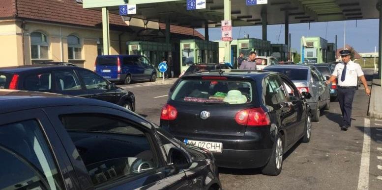 Românii fac coadă la frontieră, pentru a se întoarce la muncă în străinătate