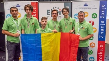 Trei medalii de aur și una de argint pentru elevii români la Olimpiada Europeană de Informatică pentru Juniori