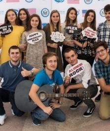Un an gratuit de studiu într-un liceu american, accesibil și adolescenților maramureșeni