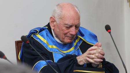 Academicianului Emil Burzo i se va acorda titlul de Cetățean de onoare al județului Maramureș